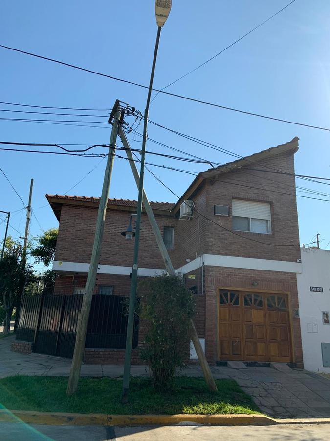 Foto Casa en Venta en  Beccar-Vias/Rolon,  Beccar  lonardi al 1300