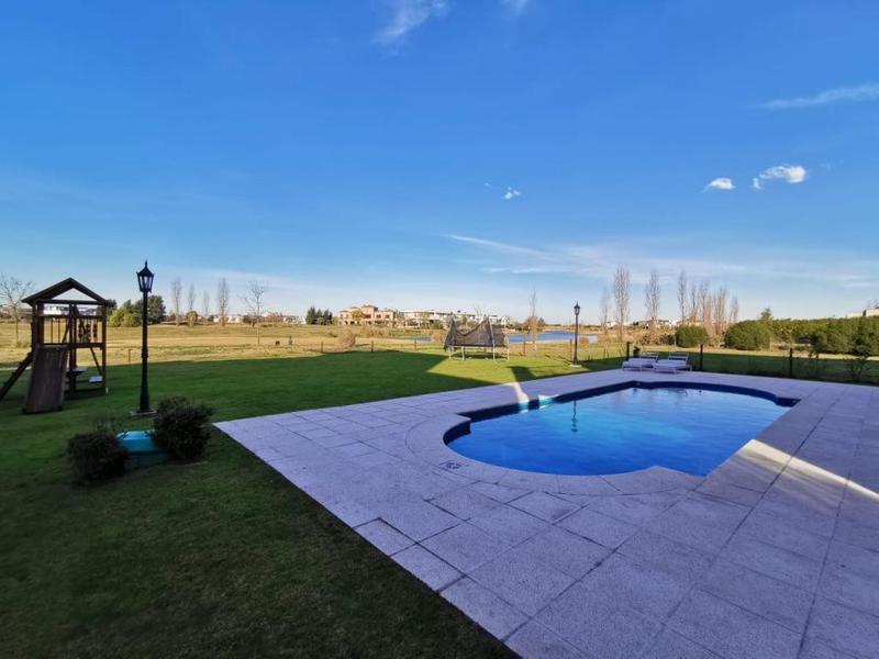 Foto Casa en Venta en  El Golf,  Nordelta  Barrio Golf Club Nordelta