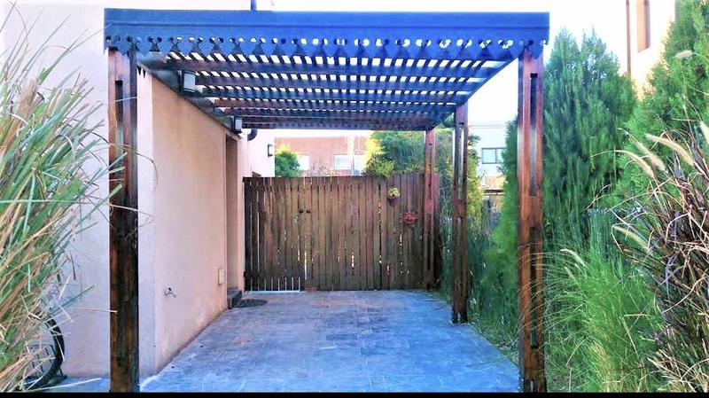Foto Casa en Venta en  El Atardecer,  Rincon de Milberg  El Atardecer al 100