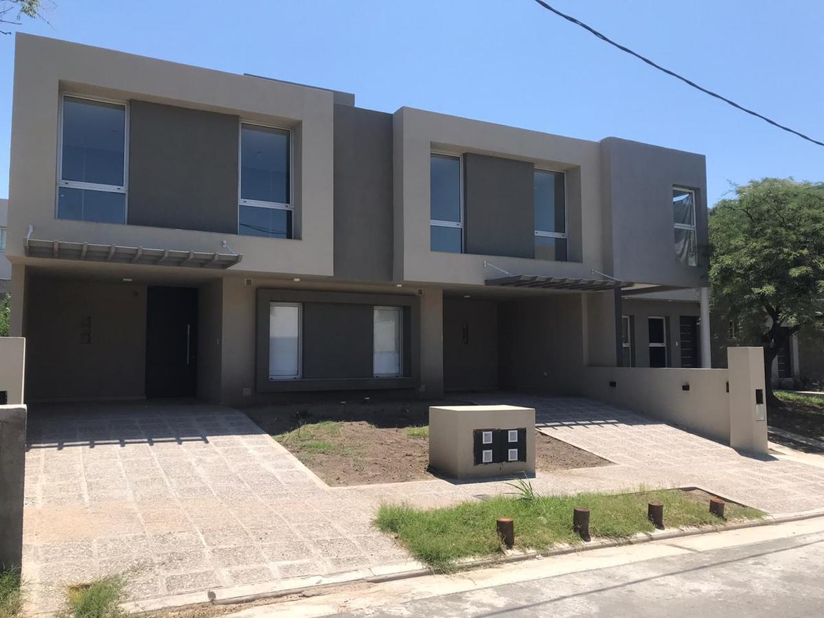 Foto Casa en Alquiler en  Miradores de Manantiales,  Cordoba Capital  Miradores de Manantiales 2 | ALQUILER OPCIÓN B | Manzana 109 | Lote 25