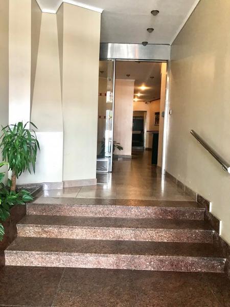 Foto Departamento en Venta en  Lanús Oeste,  Lanús  HIPOLITO YRIGOYEN 2900