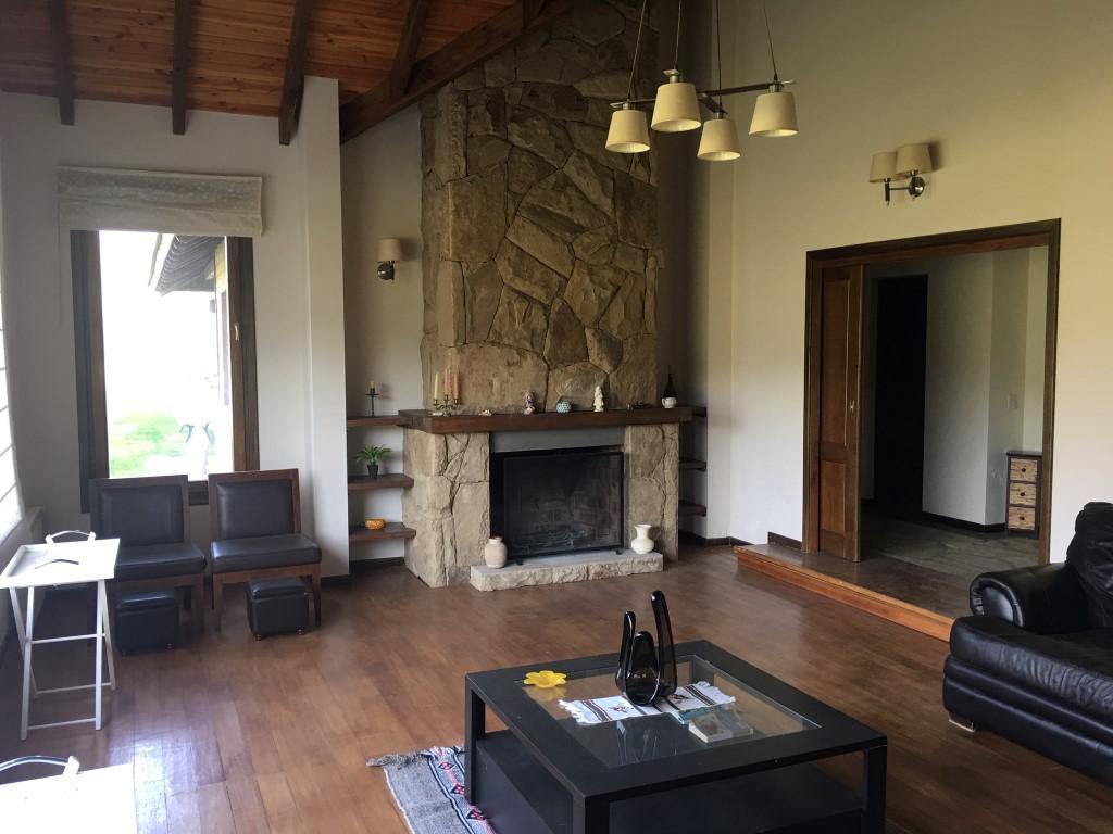 Foto Casa en Venta en  Arelauquen,  Bariloche  Casa en Arelauquen - Sector La Isla