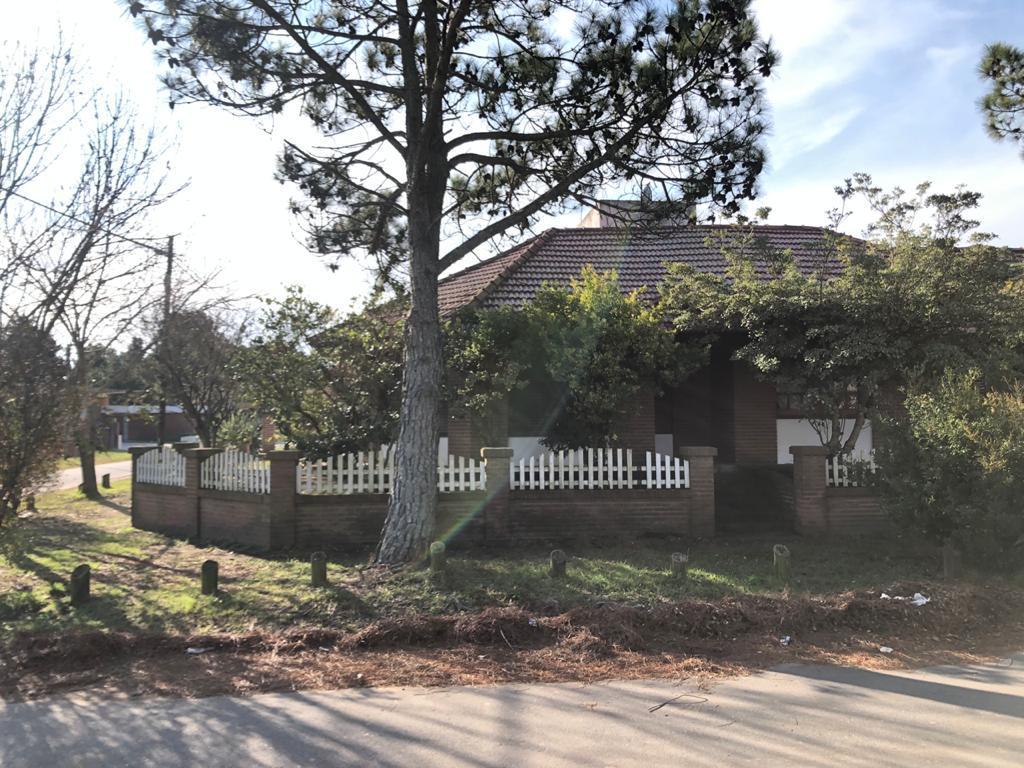 Foto Casa en Venta en  San Bernardo Del Tuyu ,  Costa Atlantica  Calle 21 Nº 2753