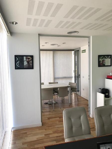 Foto Oficina en Venta en  Rosario ,  Santa Fe  Oficina ubicada en Shopping Chic mall Fisherton