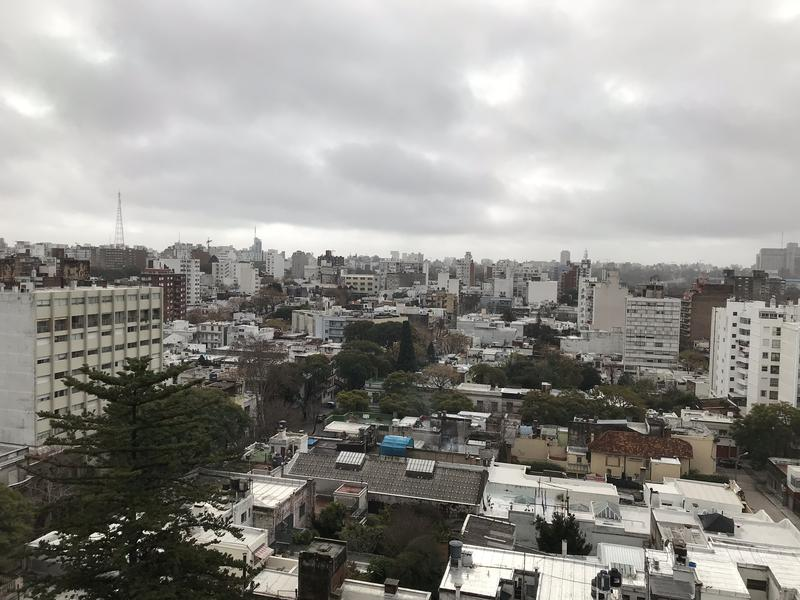 Foto Departamento en Alquiler en  Pocitos ,  Montevideo  AVENIDA BRASIL PISO 6