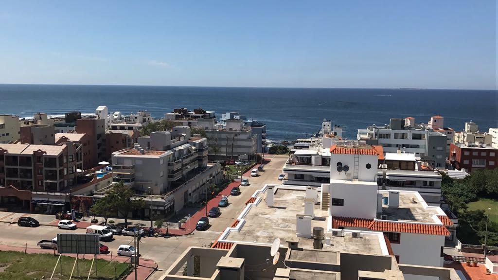 Foto Departamento en Alquiler temporario en  Punta del Este ,  Maldonado  Excelente departamento en Edificio Kennedy, Punta del Este, Maldonado, Uruguay.