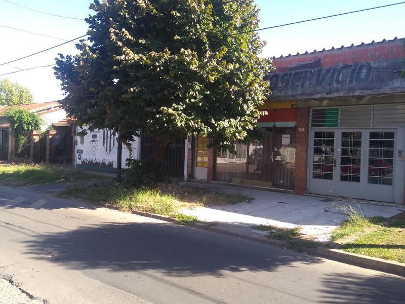 Foto Casa en Venta en  Lomas de Zamora Este,  Lomas De Zamora  ALBERTI al 200