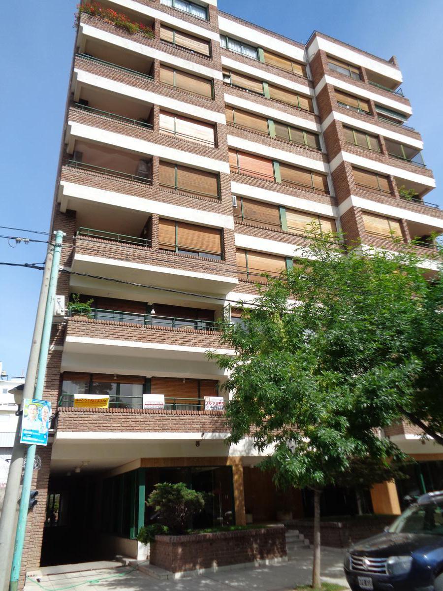 Foto Departamento en Alquiler en  Área Centro Sur,  Capital  Cordoba al 200