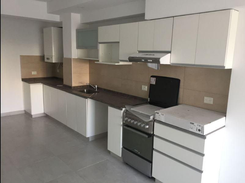 Foto Local en Venta en  Capital ,  Neuquen  Fernandez Oro al 300