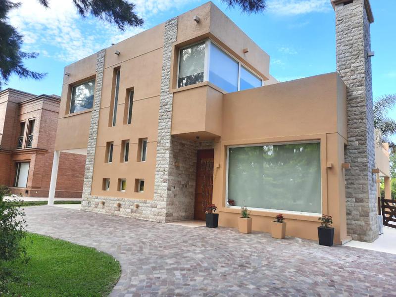 Foto Casa en Alquiler en  El Lauquen,  Countries/B.Cerrado (E. Echeverría)  Alquiler Temporario/Alquiler Anual - Casa en El Lauquen