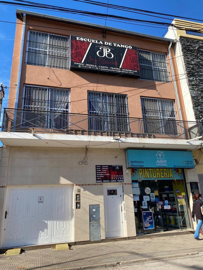 Foto Edificio Comercial en Venta en  San Miguel ,  G.B.A. Zona Norte  tribulato al 800