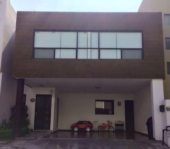 Foto Casa en Venta |  en  El Vergel,  Monterrey  Casa en Venta en la Priv. del Vergel Fracc. Privado en Carr. Nal. (MV)