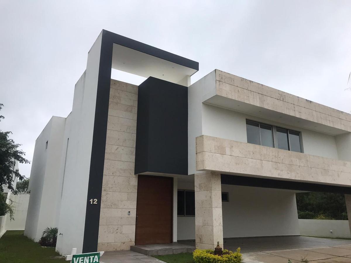Foto Casa en Renta en  Yucatán Country Club,  Mérida  Venta o Renta bella residencia en el Yucatan Country Club