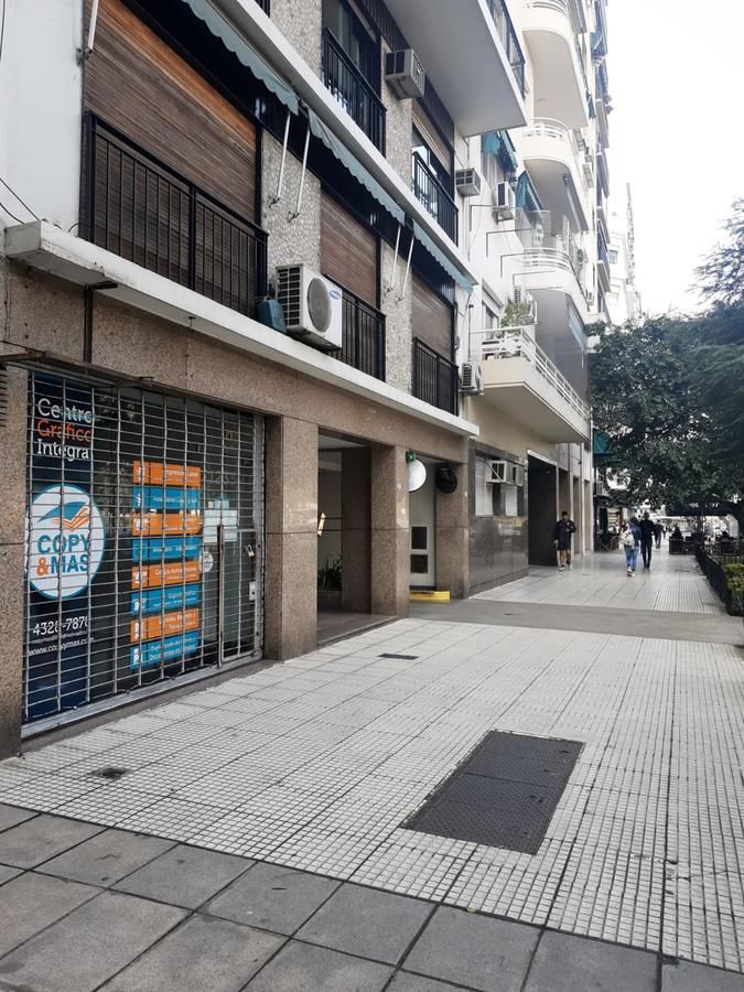 Foto Local en Venta | Alquiler en  Recoleta ,  Capital Federal  Carlos Pellegrini al 1200