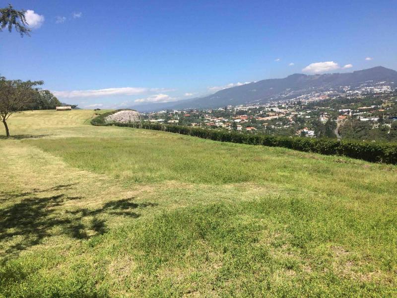 Foto Terreno en Venta en  Cumbayá,  Quito  URBANIZACIÓN LA QUINTA