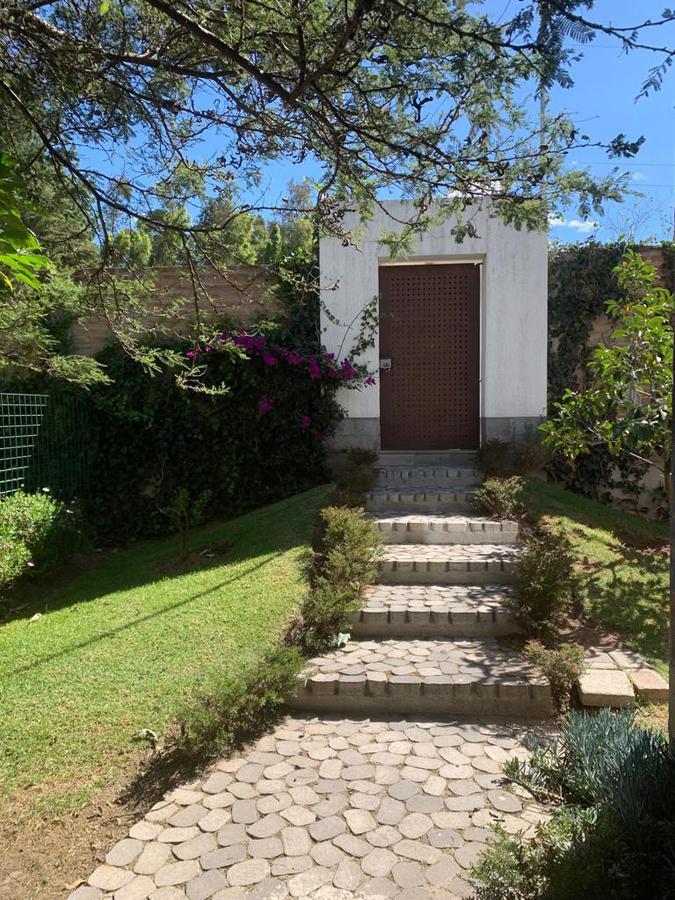 Foto Casa en Alquiler en  Tumbaco,  Quito   Vendo casa 352m2 exclusivo diseño de Londoño en La Cerámica