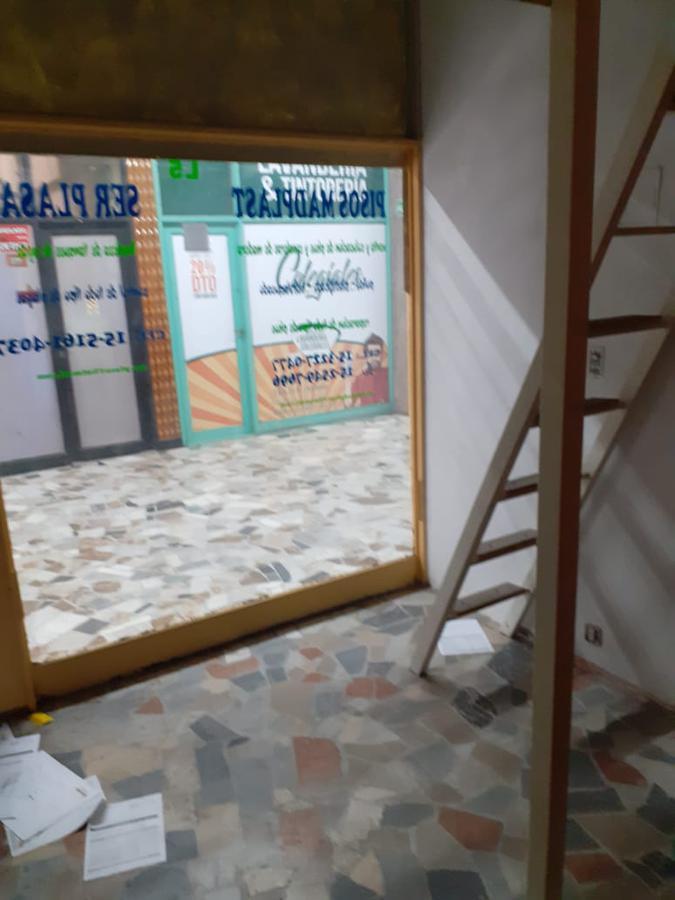 Foto Local en Alquiler en  Colegiales ,  Capital Federal  Giribone al 600