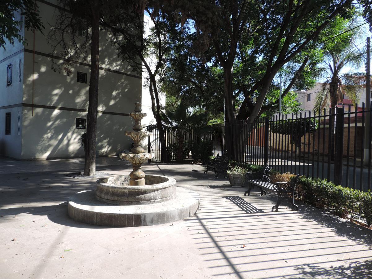 Foto Departamento en Renta en  León Moderno,  León  Departamento amueblado a unos pasos de blvd. Mariano Escobedo