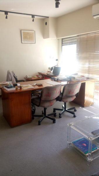 Foto Oficina en Alquiler en  Barrio Norte ,  Capital Federal  Montevideo 700
