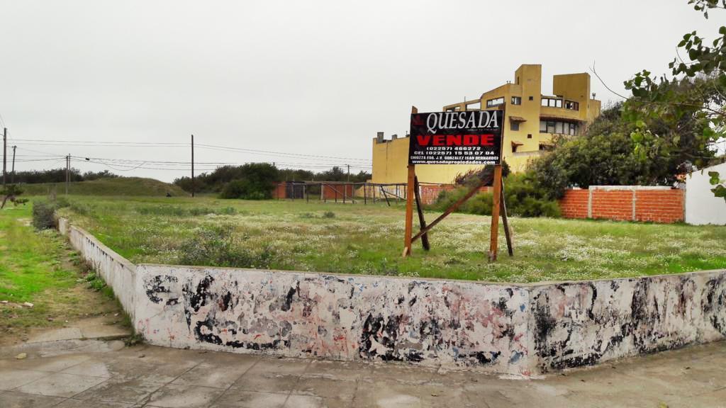 Foto Terreno en Venta en  Costa Azul ,  Costa Atlantica  Mendoza y Moreno