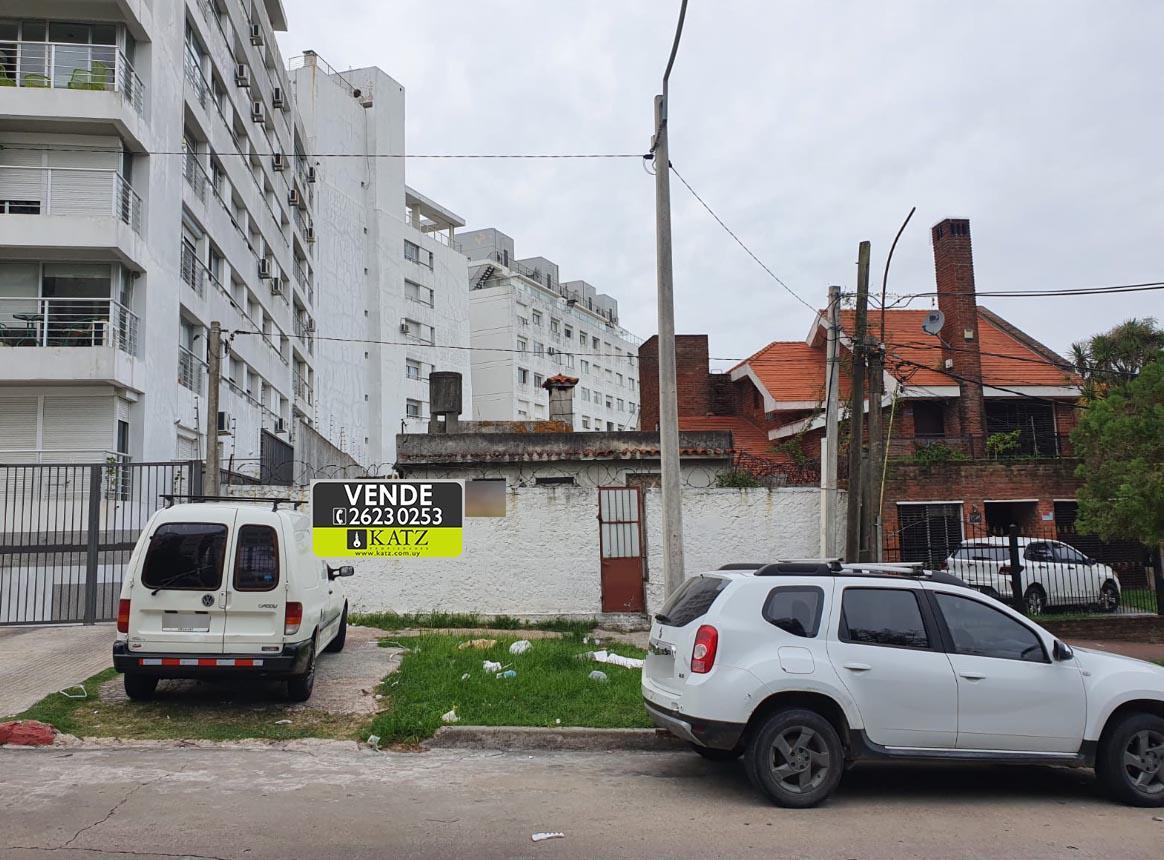 Foto Terreno en Venta en  Malvín ,  Montevideo  TERRENO EN ZONA MALVIN SUR