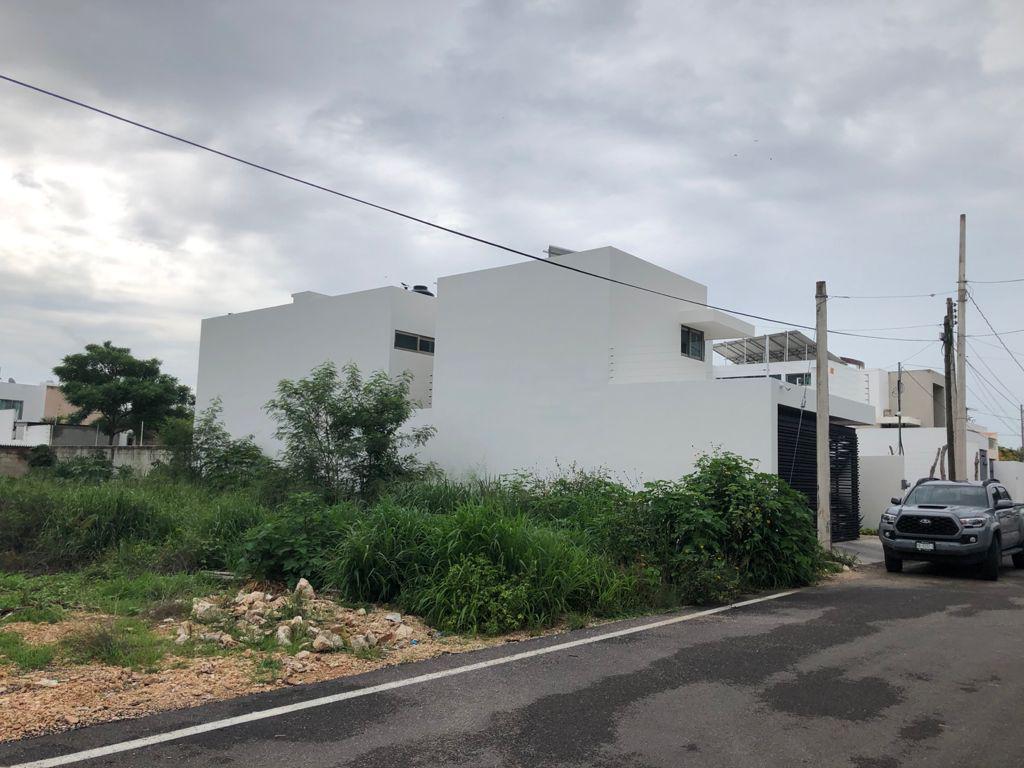 Foto Terreno en Venta en  Fraccionamiento Nuevo Yucatán,  Mérida  Terreno en remate en Merida, sobre calle pavimentada, todos los servicios en puerta