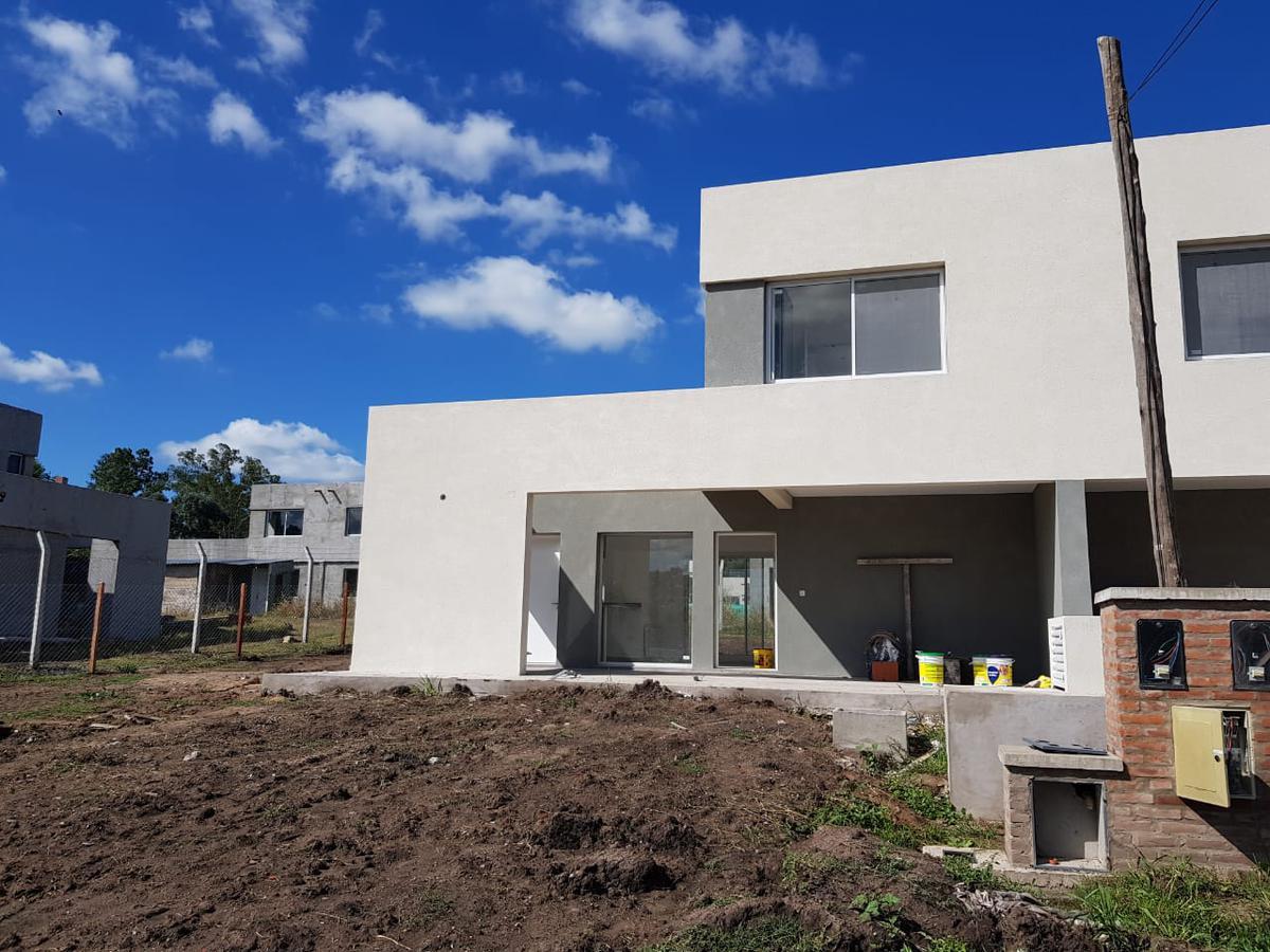 Foto Casa en Venta en  Pilar,  Pilar  Gran oportunidad de casa en venta en Barrio Casas del Este, Pilar del Este, Pilar.