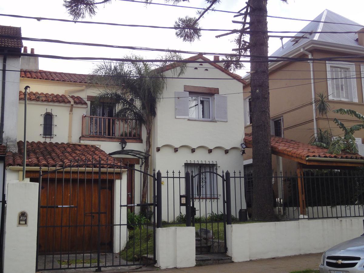 Foto Casa en Venta en  Olivos-Vias/Maipu,  Olivos  Estrada al 2300