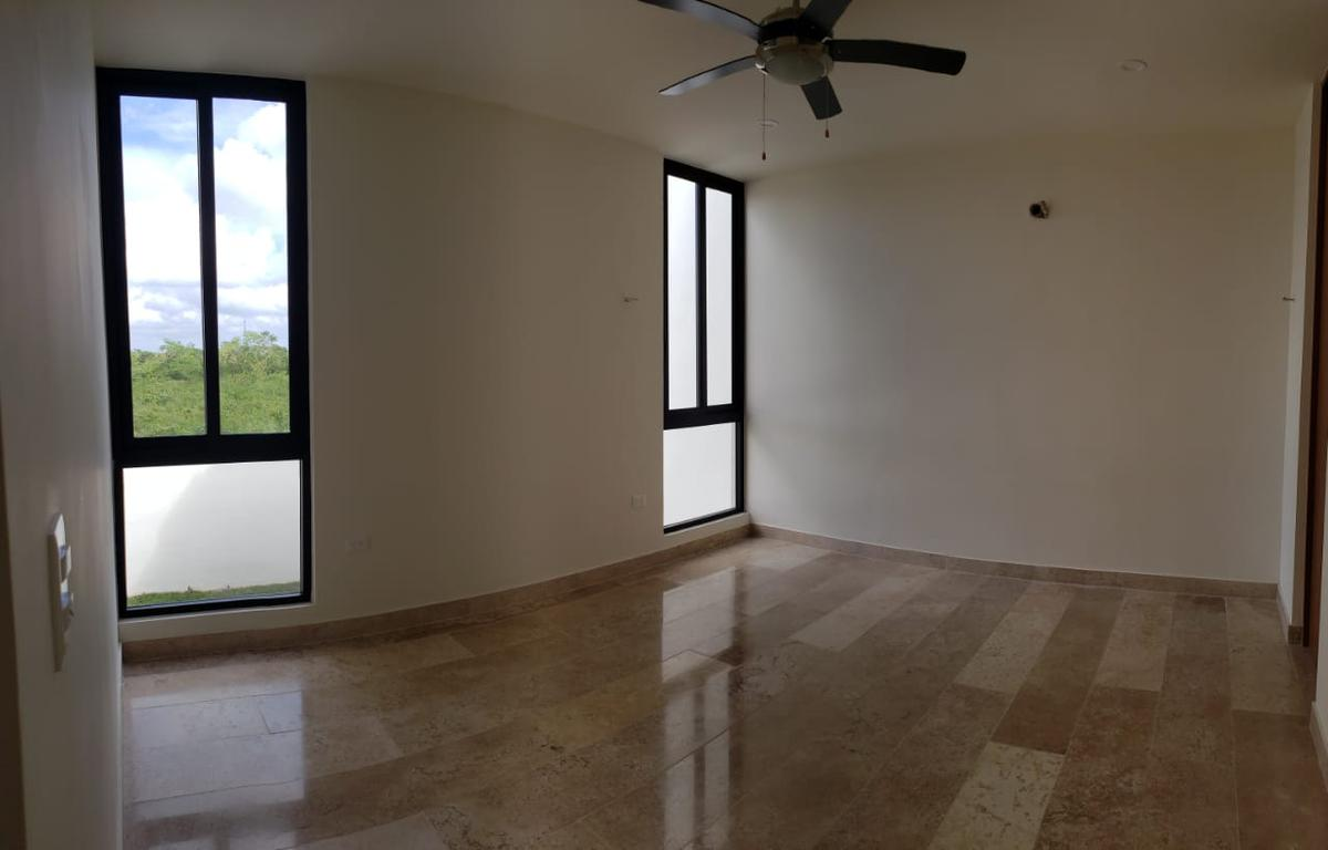 Foto Casa en Venta en  Temozon Norte,  Mérida  Hermosa residencia nueva en privada con amenidades.