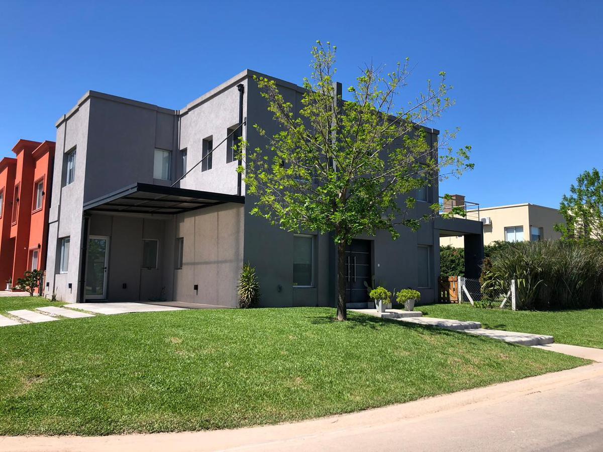Foto Casa en Venta en Atahualpa 5, Moreno | Countries/B.Cerrado (Moreno) | Haras Maria Victoria