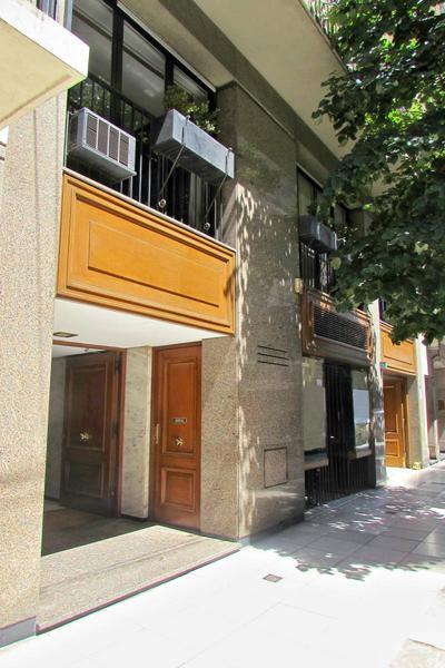 Foto Departamento en Alquiler en  Recoleta ,  Capital Federal  Av Alvear al 1800