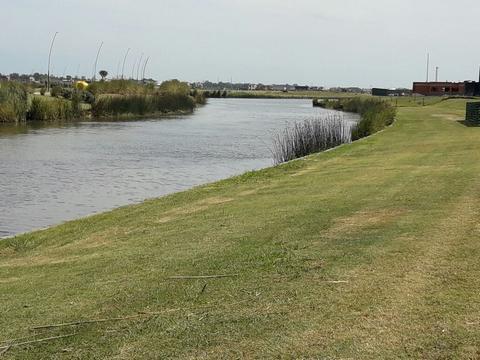 Foto Terreno en Venta en  Muelles,  Puertos del Lago  Lote al 100