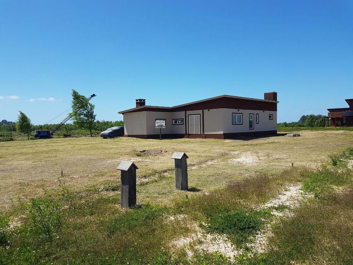 Foto Casa en Venta en  Villa Paranacito,  Islas Del Ibicuy  Barrio Náutico Alto Delta  3-4