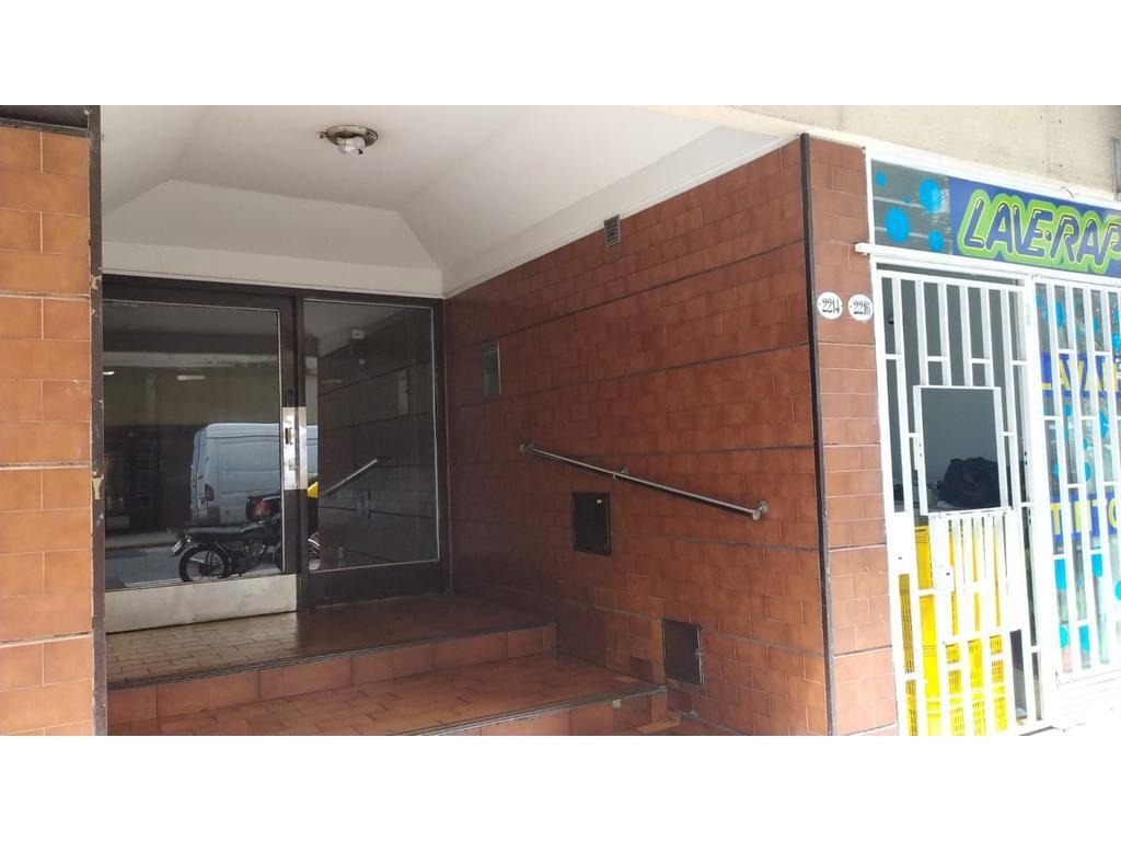Foto Departamento en Alquiler en  Balvanera ,  Capital Federal  Tte  Gral. Peron al 2200