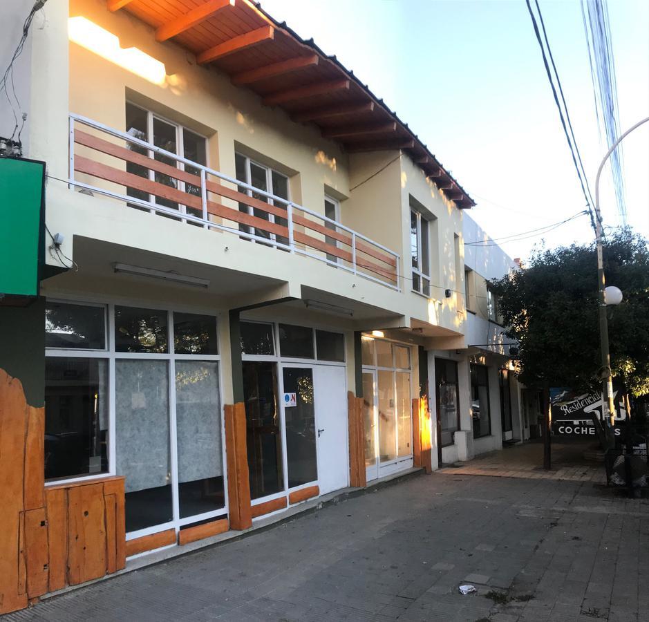 Foto Local en Alquiler en  Esquel,  Futaleufu  San Martin al 900