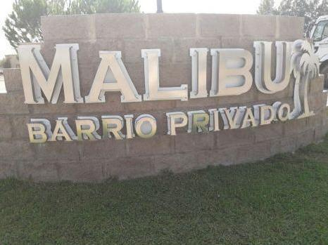 Foto Terreno en Venta en  Malibu,  Countries/B.Cerrado  Lote apto crédito en Malibú