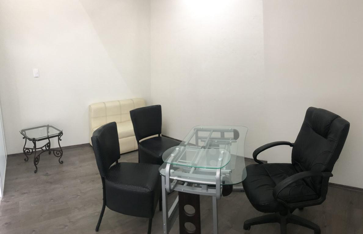 Foto Oficina en Renta en  Santiaguito,  Metepec      OFICINA / DESPACHO EN RENTA EN PLAZA COMERCIAL  SOBRE SAN ISIDRO EN EL CORAZÓN DE METEPEC