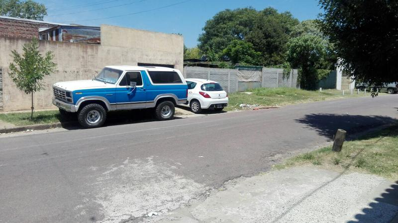 Foto Terreno en Venta en  La Plata ,  G.B.A. Zona Sur  122 esquina 47