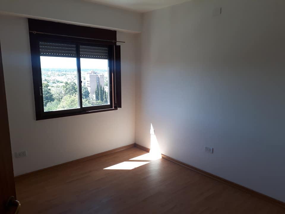 Foto Departamento en Alquiler en  Área Centro Este ,  Capital  Santa Fe 333