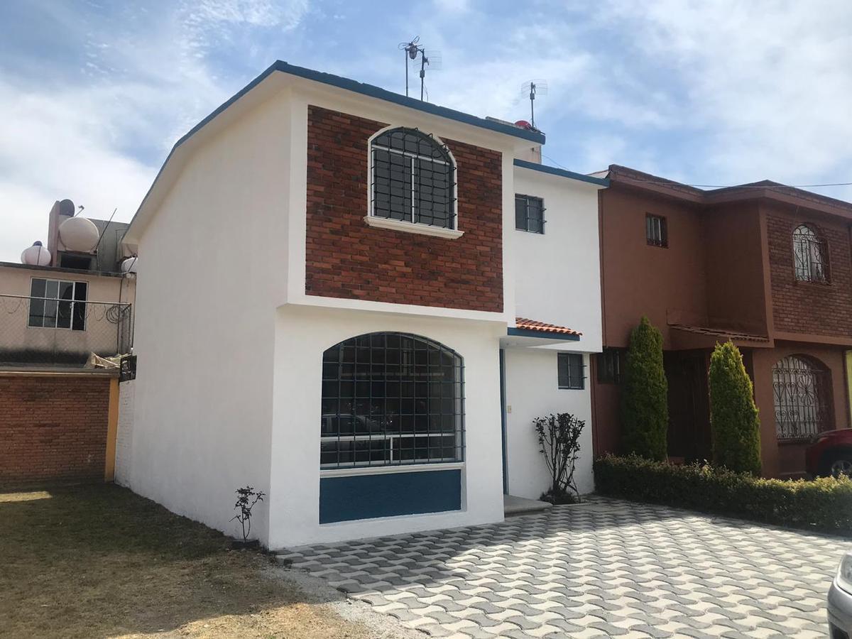 Foto Casa en condominio en Venta en  El Porvenir,  Zinacantepec  Privada Cenzontle, El Porvenir