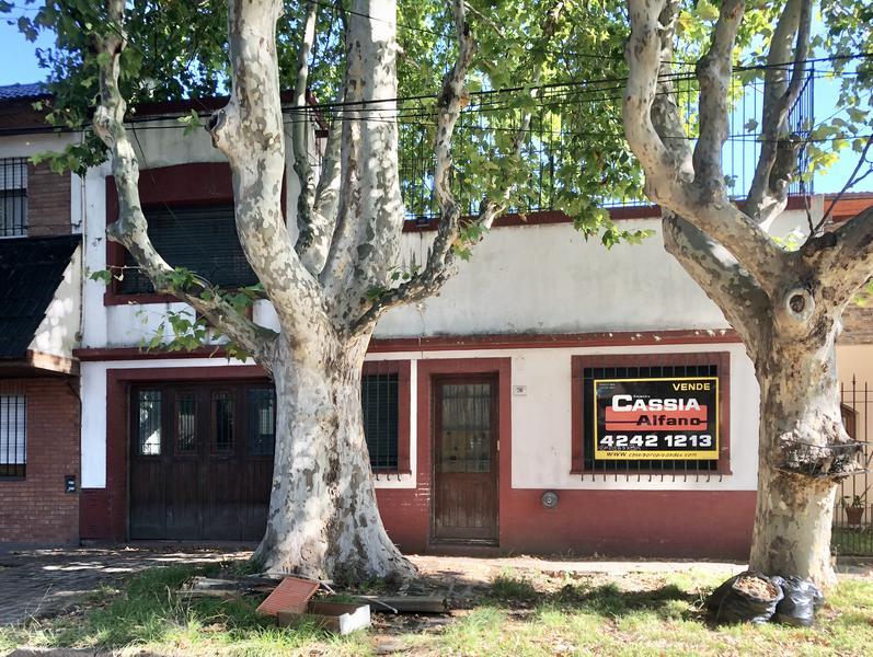 Foto Casa en Venta en  Banfield Oeste,  Banfield  DARRAGUEIRA 716