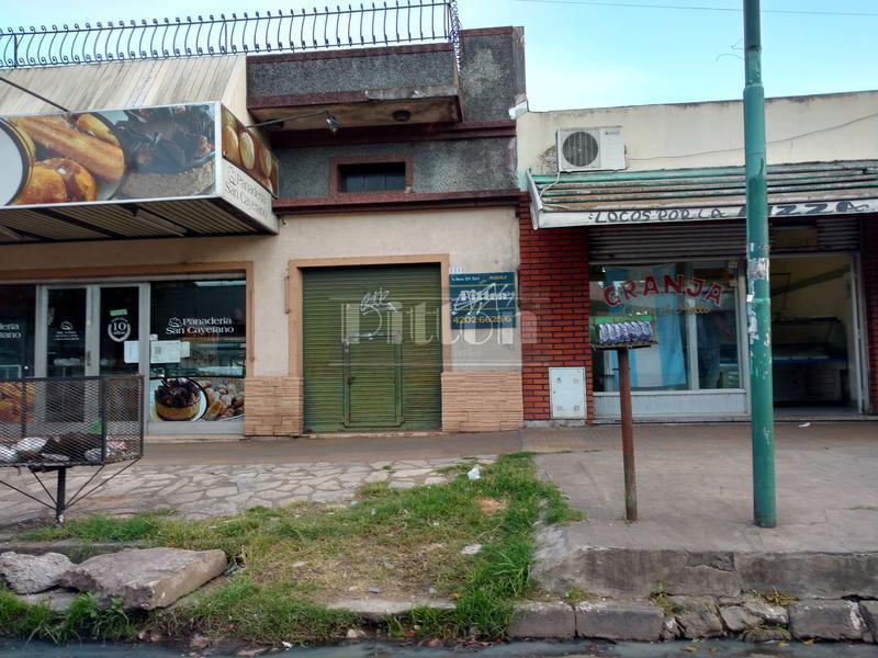 Foto Local en Alquiler |  en  Lomas De Zamora ,  G.B.A. Zona Sur  Molina Arrotea 2538