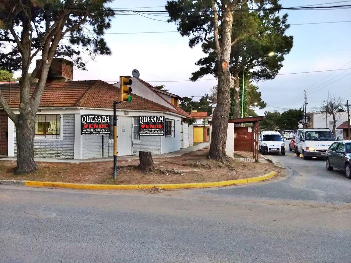 Foto Casa en Venta en  San Bernardo Del Tuyu ,  Costa Atlantica  Av. Tucuman y Falkner