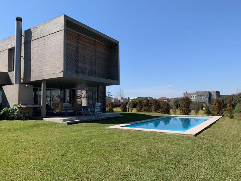 Foto Casa en Venta en  Yerba Buena ,  Tucumán  Country Los Olivos