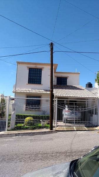 Foto Casa en Venta en  Avícola,  Chihuahua  Casa Oportunidad