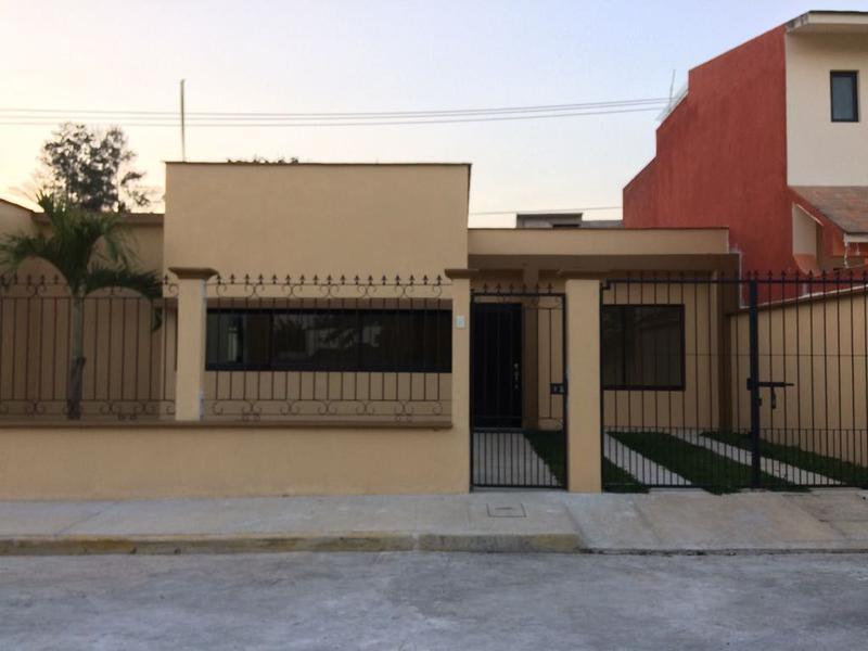 Foto Casa en Renta en  Campo Viejo,  Coatepec  CASA EN RENTA DE FRACCIONAMIENTO EN COATEPEC