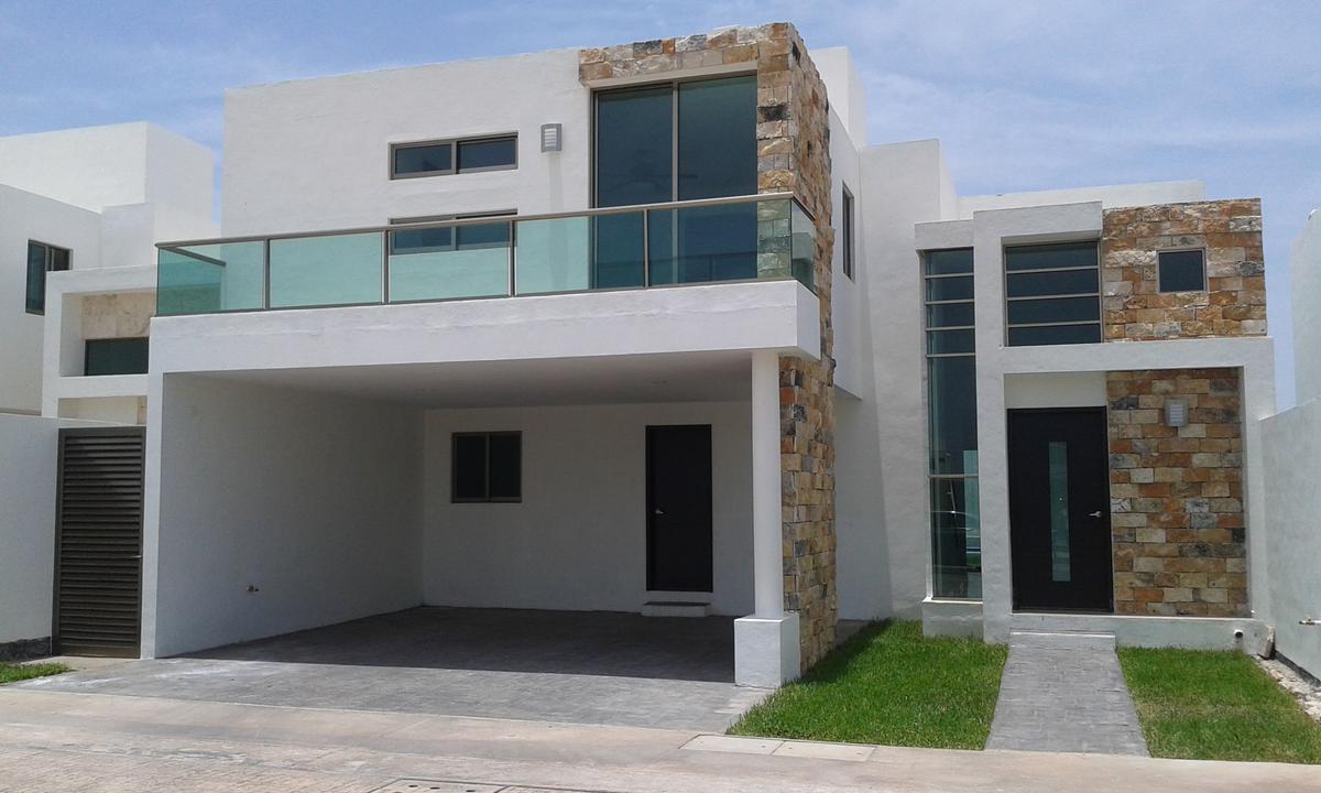 Foto Casa en Renta en  Santa Gertrudis Copo,  Mérida  Casa en Renta en Privada Porto Bello