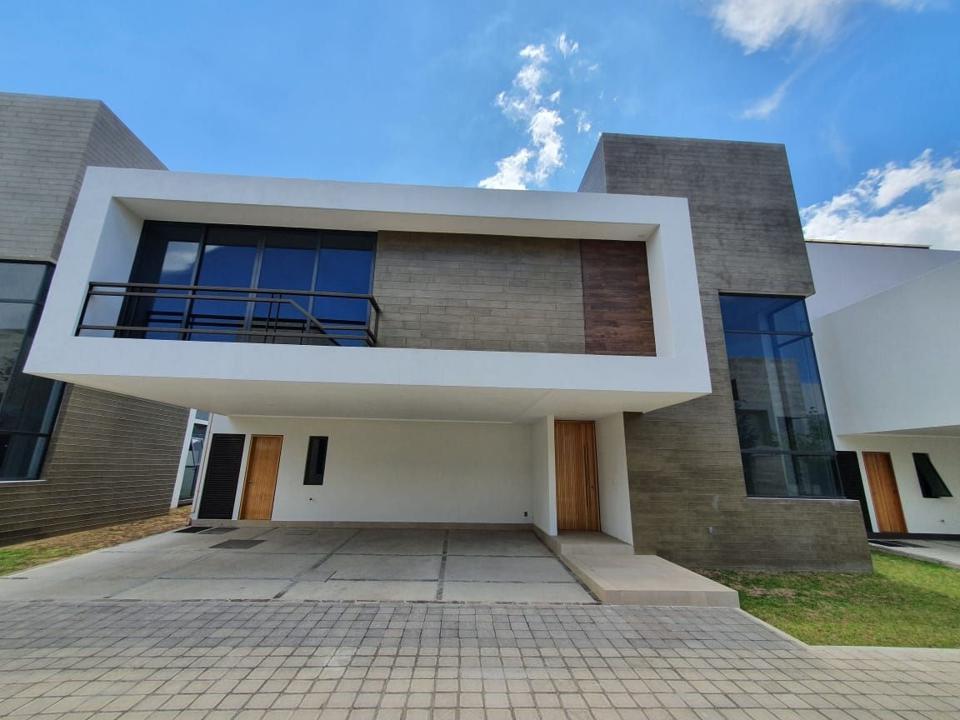 Foto Casa en condominio en Venta en  Llano Grande,  Metepec  Venta de Casa Nueva en Casas del Bosque Metepec