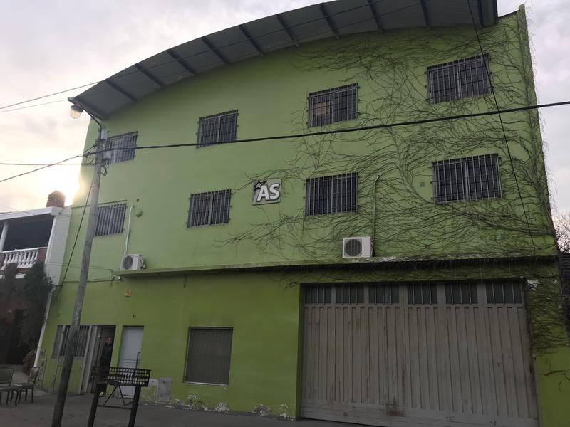 Foto Depósito en Venta en  Lomas de Zamora Oeste,  Lomas De Zamora  DONIZZETI 51