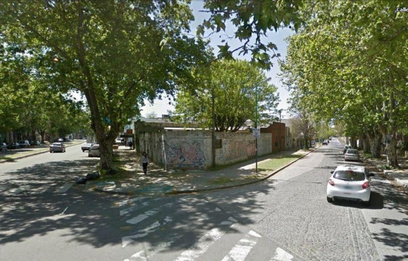 Foto Terreno en Venta en  La Plata,  La Plata  Diagonal 80 Esquina 41